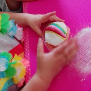 K3 cupcake versieren (1)