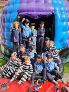 politiefeest met 14 kids